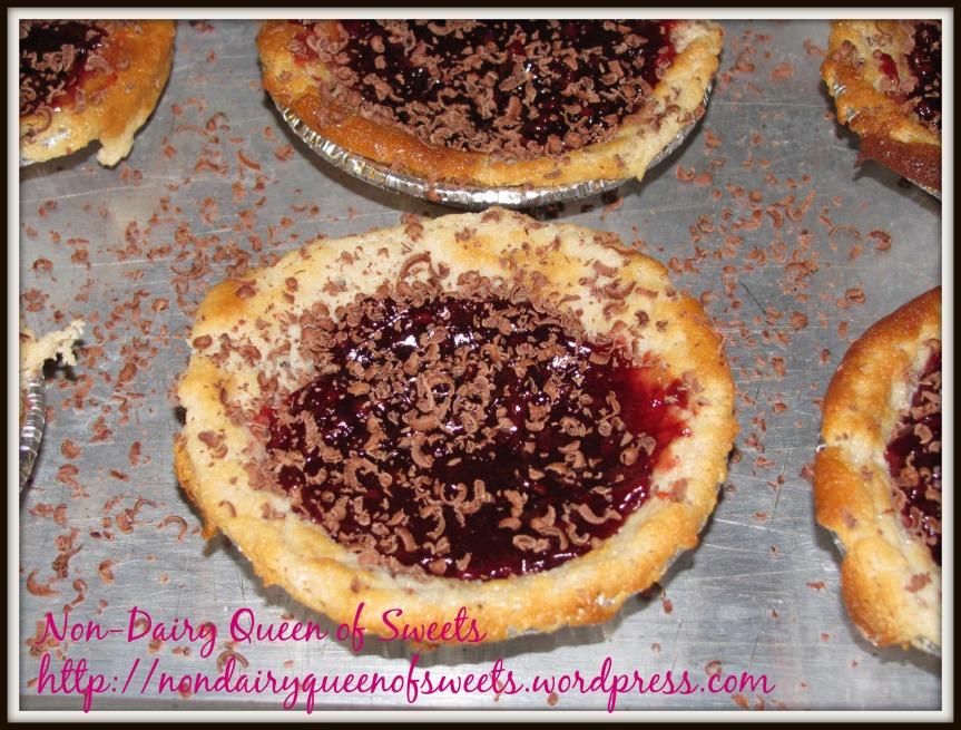 Raspberry Cheesecake with Dark Chocolate MiniCurls